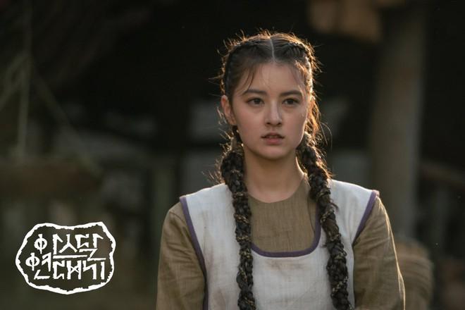 7 bóng hồng của Song Joong Ki ở Arthdal: Hết BLACKPINK, con lai Nga Hàn tới mỹ nhân Nhật đẹp nức lòng ai mà không mê - ảnh 8