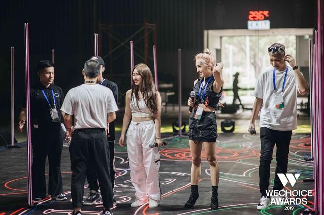 BigDaddy - Emily, AMEE, Sóc Nâu xuất hiện cool ngầu, làm bùng nổ sân khấu trước thềm Gala WeChoice Awards 2019 - Ảnh 7.