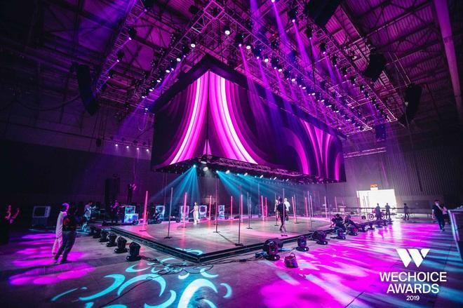 Hé lộ sân khấu WeChoice Awards 2019: Không gian nghệ thuật 4 mặt chưa từng có ở Việt Nam, sẵn sàng cho các tiết mục bùng cháy - Ảnh 4.