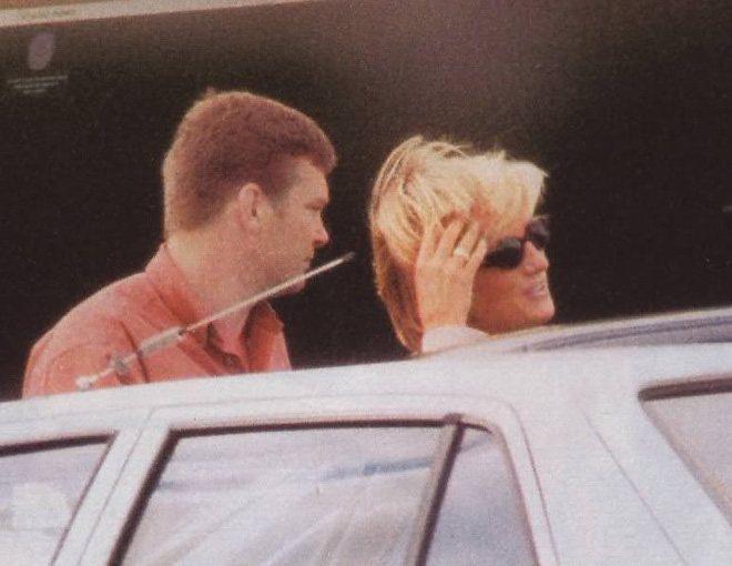 Người duy nhất sống sót trong tai nạn thảm khốc của Công nương Diana: Phải phẫu thuật khuôn mặt, bị kiện tụng và 'thuyết âm mưu' bủa vây hơn 2 thập kỷ - ảnh 1