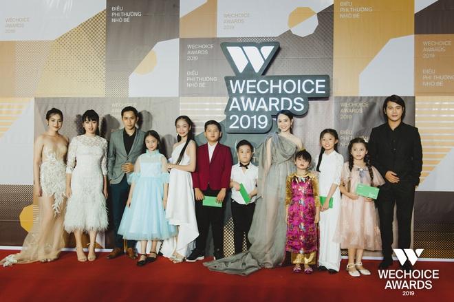 Dàn sao Mắt Biếc đổ bộ thảm đỏ WeChoice Awards 2019: Hà Lan, bé Hồng quá quyến rũ nhưng lại vắng bóng thầy Ngạn - Ảnh 1.