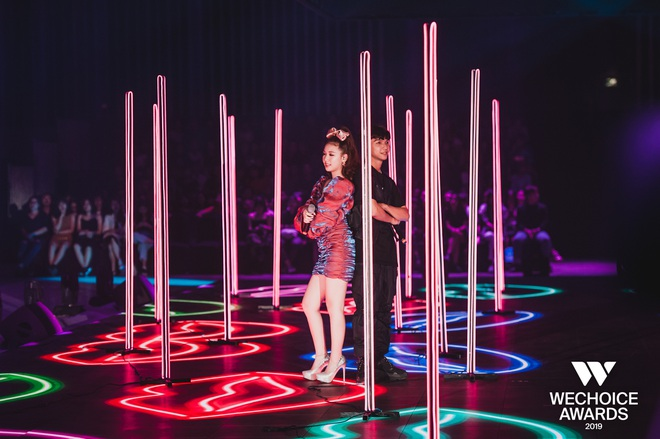 Xem trọn vẹn các màn trình diễn tại WeChoice: Những sự kết hợp không tưởng, dàn dựng sân khấu đỉnh cao tạo nên một bữa tiệc âm nhạc tràn đầy cảm hứng! - Ảnh 13.