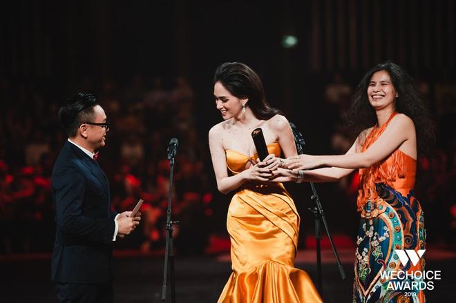 Hương Giang chính thức được vinh danh tại WeChoice Awards, trở thành nghệ sĩ có hoạt động nổi bật nhất năm 2019 - Ảnh 3.