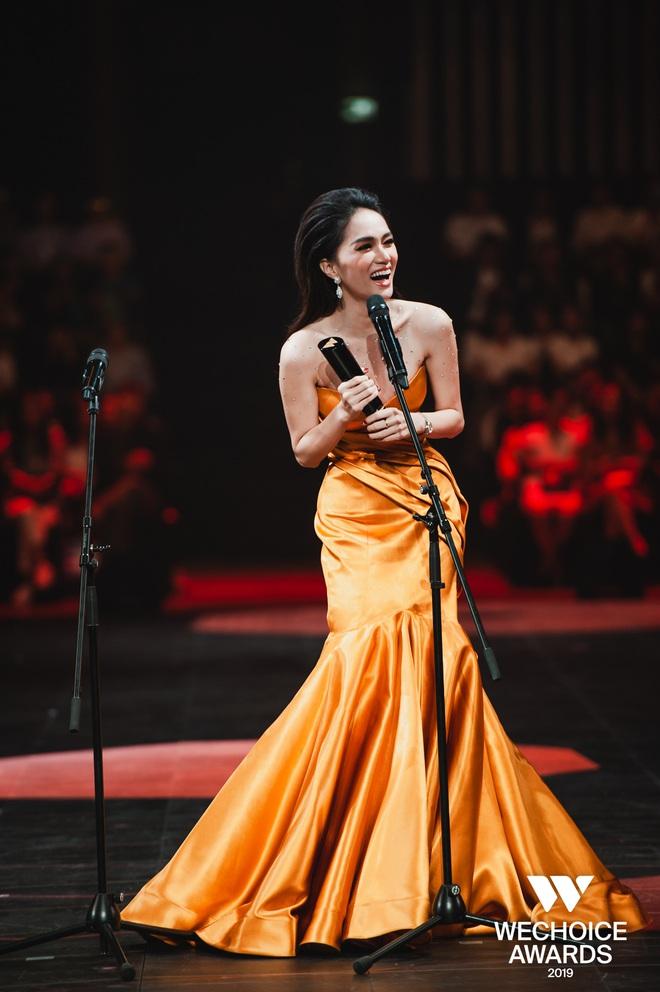 Hương Giang chính thức được vinh danh tại WeChoice Awards, trở thành nghệ sĩ có hoạt động nổi bật nhất năm 2019 - Ảnh 1.