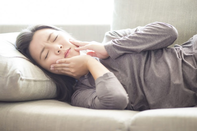 Nếu răng của bạn xuất hiện từ 1 đến 6 triệu chứng sau đây thì bạn cần đi kiểm tra răng càng sớm càng tốt - ảnh 4