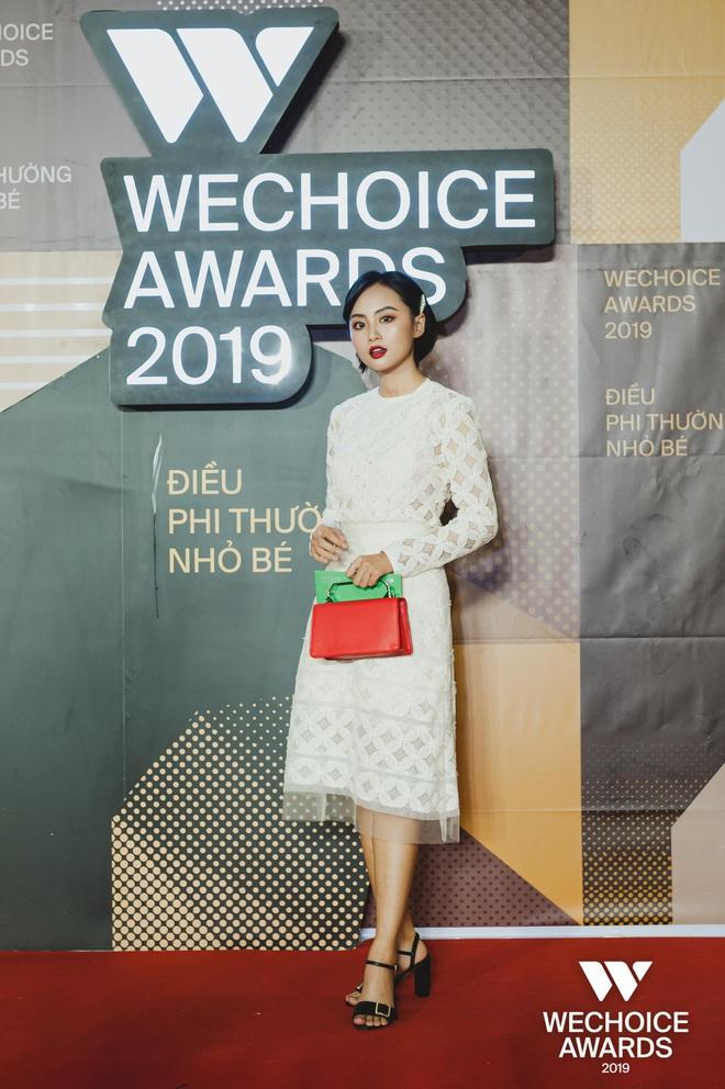 Minh Nghi, Hạ Mi, Chi Chi... mỗi người một vẻ, mười phân vẹn mười trên thảm đỏ gala WeChoice Awards 2019, cả làng game đứng ngồi không yên - Ảnh 1.