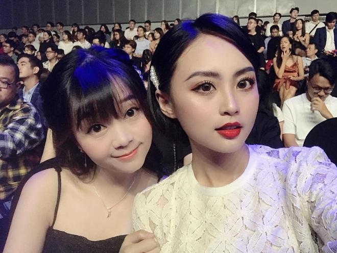 Minh Nghi, Hạ Mi, Chi Chi... mỗi người một vẻ, mười phân vẹn mười trên thảm đỏ gala WeChoice Awards 2019, cả làng game đứng ngồi không yên - Ảnh 2.