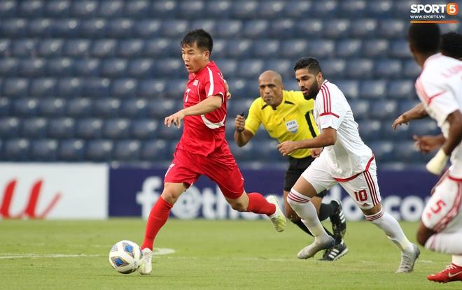 Giây phút hồn nhiên của cầu thủ U23 Triều Tiên trước trận gặp U23 Việt Nam - ảnh 13
