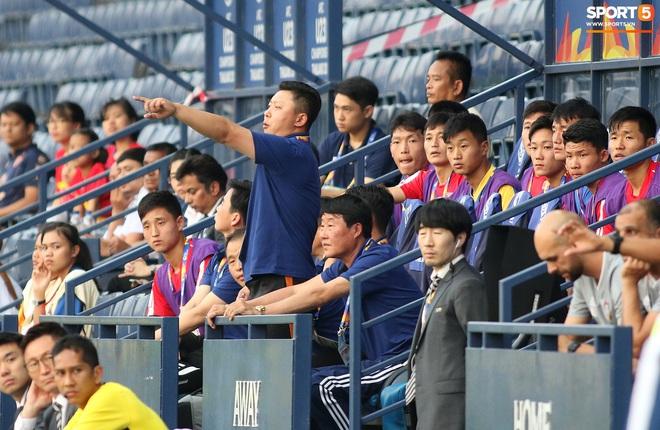 Giây phút hồn nhiên của cầu thủ U23 Triều Tiên trước trận gặp U23 Việt Nam - ảnh 9
