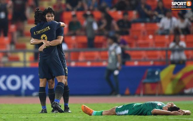 HLV trưởng U23 Iraq trách trọng tài xem VAR quá nhanh rồi ra quyết định có lợi cho Thái Lan - ảnh 4