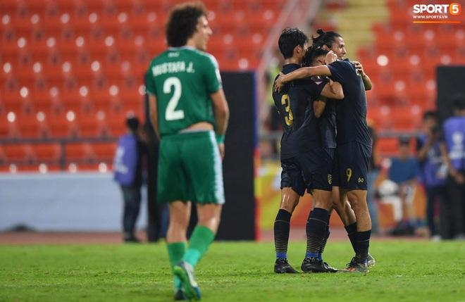 HLV trưởng U23 Iraq trách trọng tài xem VAR quá nhanh rồi ra quyết định có lợi cho Thái Lan - ảnh 3