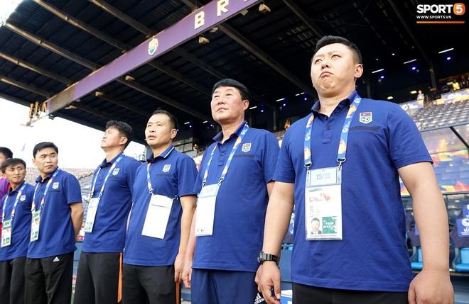 Giây phút hồn nhiên của cầu thủ U23 Triều Tiên trước trận gặp U23 Việt Nam - ảnh 8