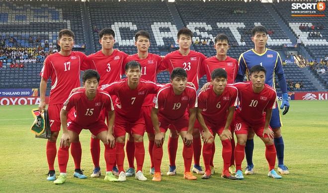 Giây phút hồn nhiên của cầu thủ U23 Triều Tiên trước trận gặp U23 Việt Nam - ảnh 12
