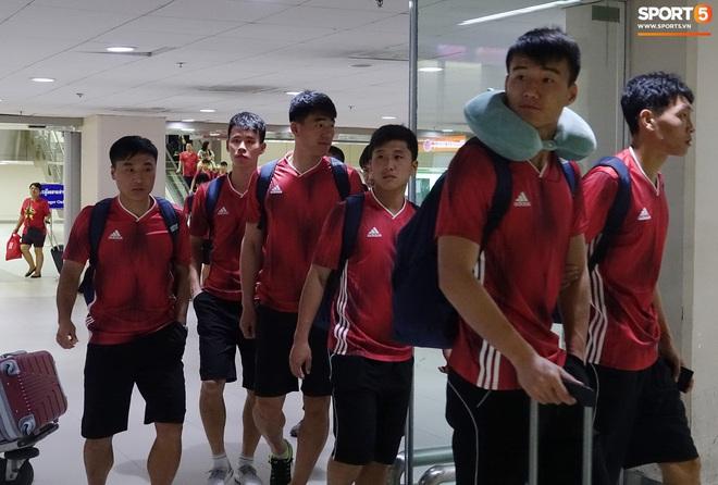 Giây phút hồn nhiên của cầu thủ U23 Triều Tiên trước trận gặp U23 Việt Nam - ảnh 1