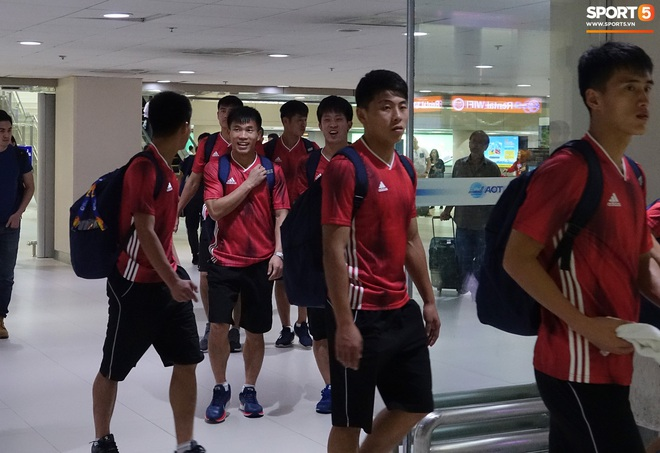 Giây phút hồn nhiên của cầu thủ U23 Triều Tiên trước trận gặp U23 Việt Nam - ảnh 3