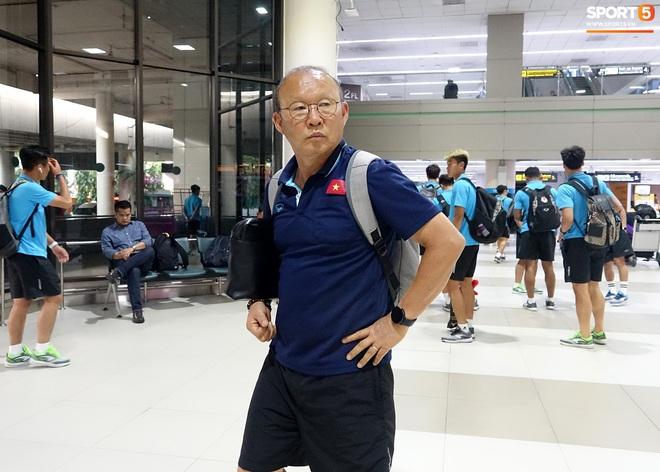 HLV Park Hang-seo liên tục uống cafe khi cùng U23 Việt Nam chinh chiến giải châu Á - ảnh 8