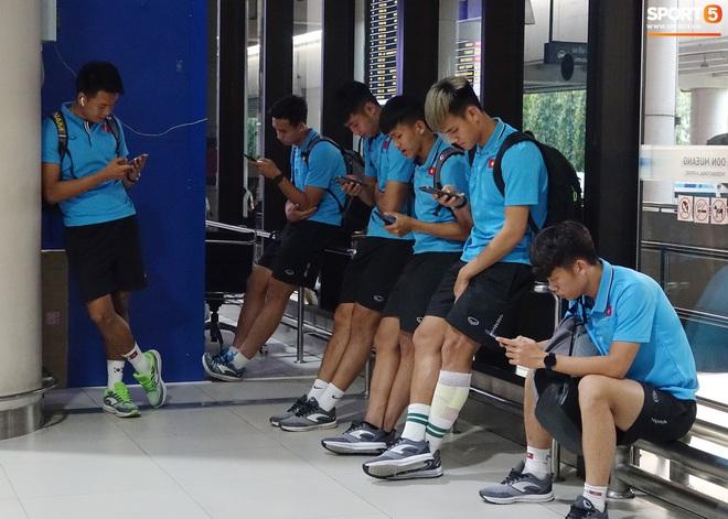 HLV Park Hang-seo liên tục uống cafe khi cùng U23 Việt Nam chinh chiến giải châu Á - ảnh 5