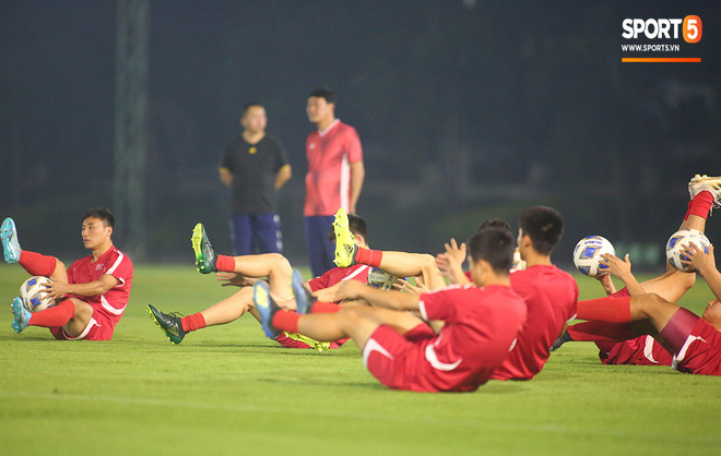 U23 CHDCND Triều Tiên tập sân huyền bí trước trận đấu cuối cùng gặp U23 Việt Nam - ảnh 22