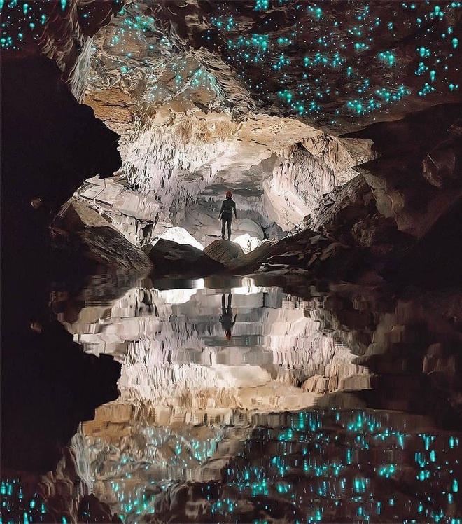 """Tận mắt chiêm ngưỡng """"dải ngân hà dưới lòng đất"""" có thật trên thế giới, tìm ra nguyên nhân các đốm sáng lung linh ai cũng bất ngờ - Ảnh 5."""