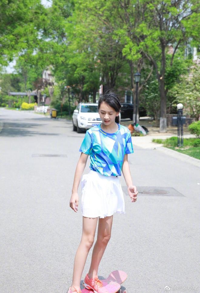 Top 1 trending Weibo: Sao nhí Bố ơi bản Trung gây sốt với chiều cao 1m70 không ai ngờ dù chỉ mới 11 tuổi - ảnh 4