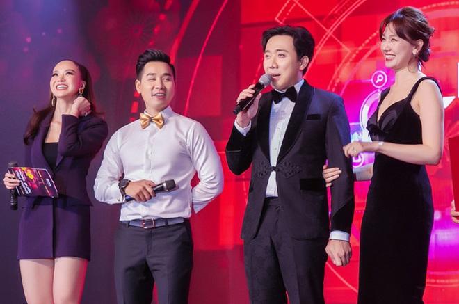 Muốn lịm đi trước loạt ảnh chị đẹp Tăng Thanh Hà tại tiệc cuối năm của gia đình chồng: Đẹp vừa thôi chị ơi! - ảnh 6