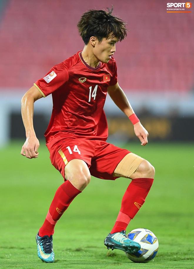 Khoảnh khắc đáng buồn nhất VCK U23 châu Á 2020: Đình Trọng nhận thẻ đỏ, U23 Việt Nam mất hết sau trận đấu với CHDCND Triều Tiến - ảnh 9