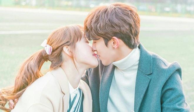 Người yêu màn ảnh mới của Lee Sung Kyung cớ sao trông y hệt tình cũ Nam Joo Hyuk thế này? - ảnh 2