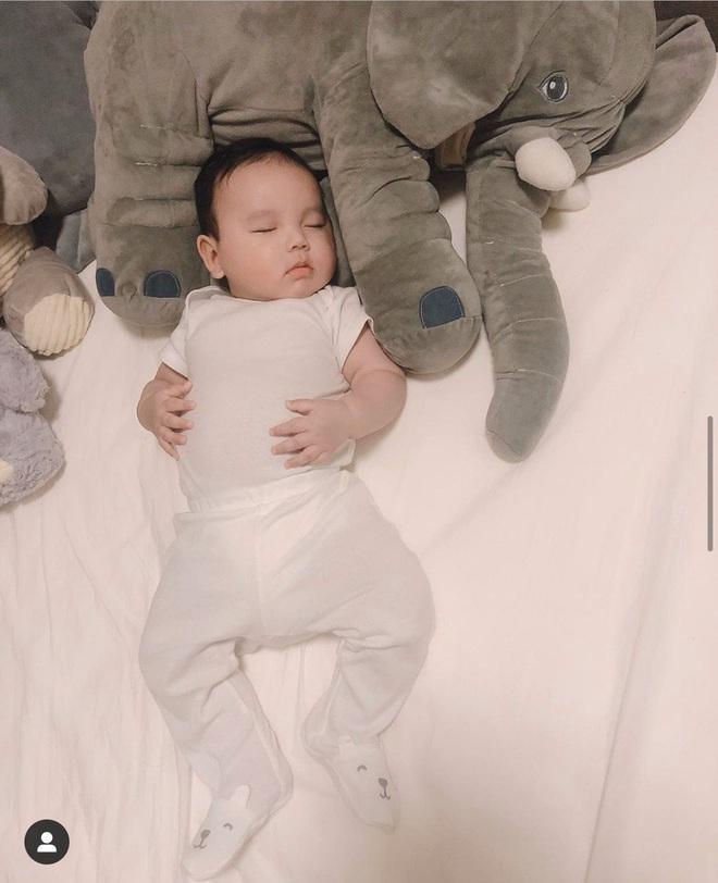 Con trai Phạm Hương ngày càng phổng phao, tận hưởng cuộc sống sinh ra đã ngậm thìa vàng tại Mỹ - ảnh 3