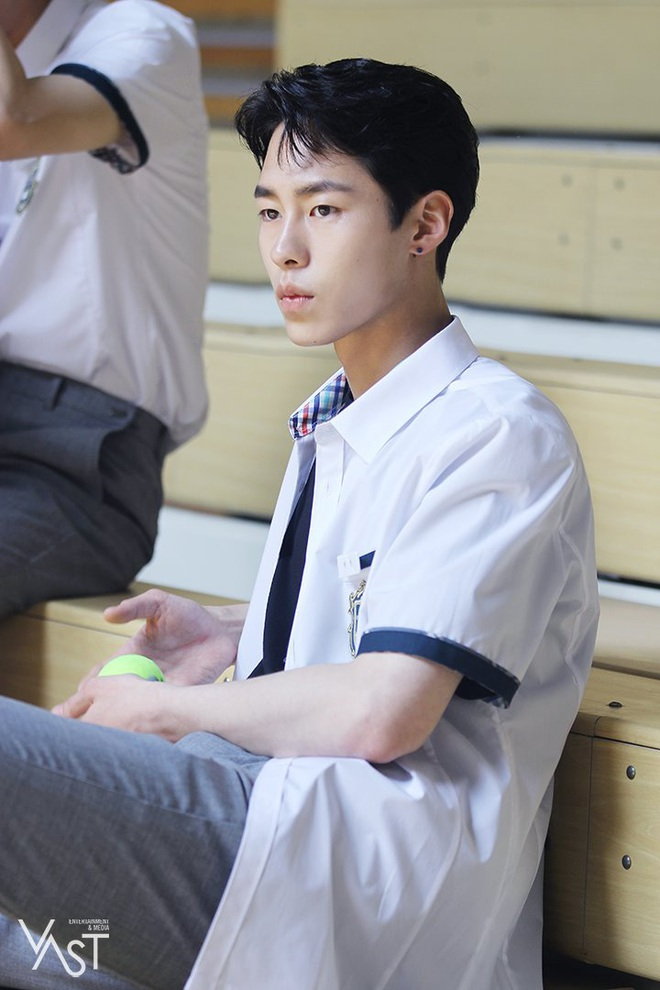 Tạm biệt thần thái fangirl sang chảnh, Park Min Young đi làm gái quê giản dị điên đầu vì tình tay tư? - ảnh 4