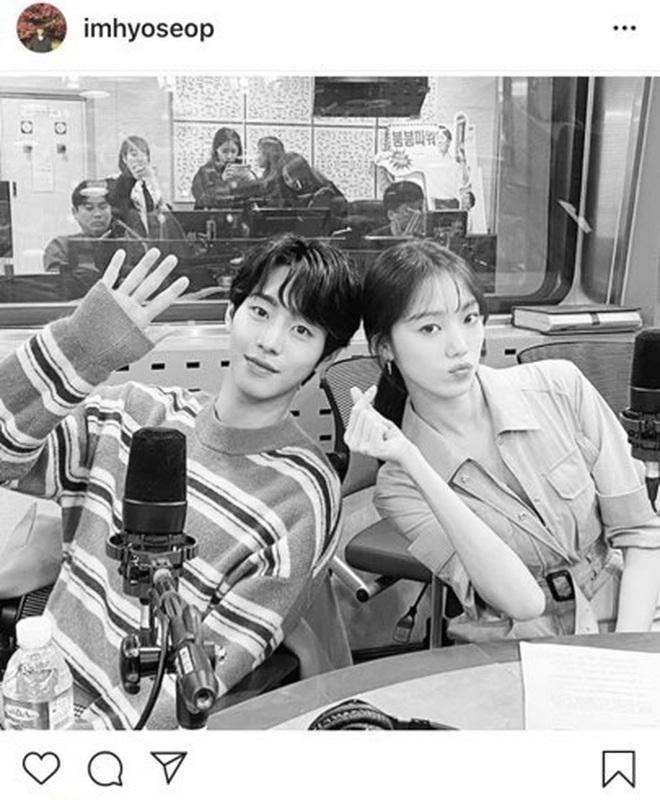 Người yêu màn ảnh mới của Lee Sung Kyung cớ sao trông y hệt tình cũ Nam Joo Hyuk thế này? - ảnh 4