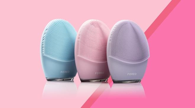 Chi 4 triệu mua máy rửa mặt, 3 cô nàng với 3 loại da đã nhận được kết quả khác biệt - ảnh 1