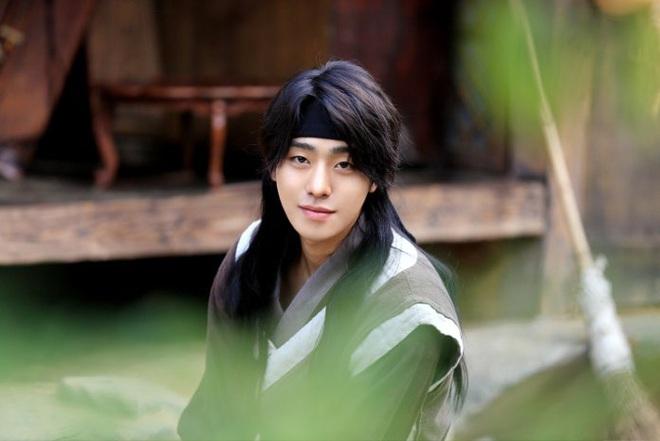 Người yêu màn ảnh mới của Lee Sung Kyung cớ sao trông y hệt tình cũ Nam Joo Hyuk thế này? - ảnh 16