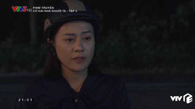 Em gái Quỳnh Búp Bê lộ bản chất thích của quen, ra sức mồi chài trai của chị ở Cô Gái Nhà Người Ta tập 2 - ảnh 11
