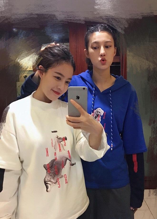 Những couple nữ - nữ đình đám nhất MXH Trung Quốc: Gái xinh đã hiếm, giờ lại yêu nhau hết thế này sao? - ảnh 9