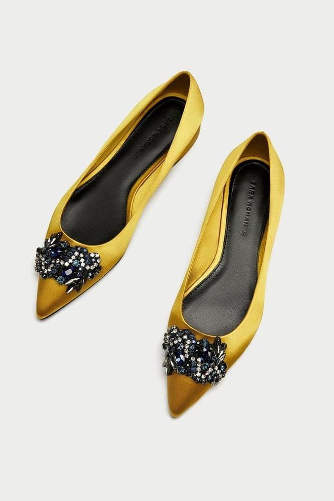 6 đôi giày đáng sắm nhất Tết này: Diện với quần hay váy cũng xinh hết nấc, lại sành điệu miễn bàn - ảnh 11