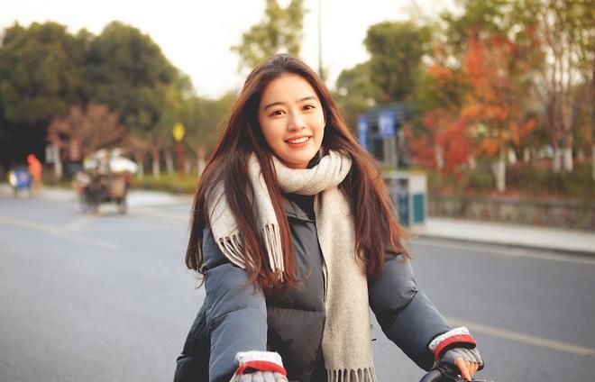 Những couple nữ - nữ đình đám nhất MXH Trung Quốc: Gái xinh đã hiếm, giờ lại yêu nhau hết thế này sao? - ảnh 4
