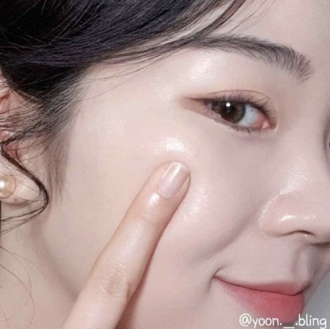 """5 lọ serum Hàn giúp da căng bóng mướt mượt đón Tết sang: Nhiều loại giá mềm ai """"múc"""" cũng được - ảnh 4"""