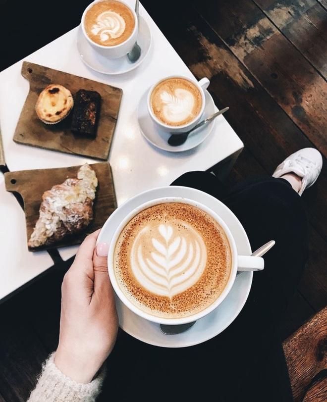 5 nhóm người nên cẩn trọng khi uống cà phê để tránh gặp rắc rối tới sức khoẻ - ảnh 3