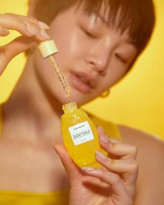 """5 lọ serum Hàn giúp da căng bóng mướt mượt đón Tết sang: Nhiều loại giá mềm ai """"múc"""" cũng được - ảnh 12"""