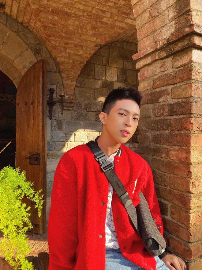 Con trai Hoa hậu Thu Hoài được chú ý vì vẻ ngoài điển trai hệt như nam chính phim ngôn tình - ảnh 9