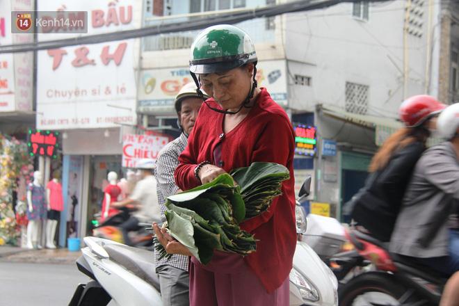Giá thịt heo tăng cao, chợ lá dong ở Sài Gòn đìu hiu vì sức mua giảm 40%, tiểu thương mắc võng ngủ giữa ban ngày - ảnh 16