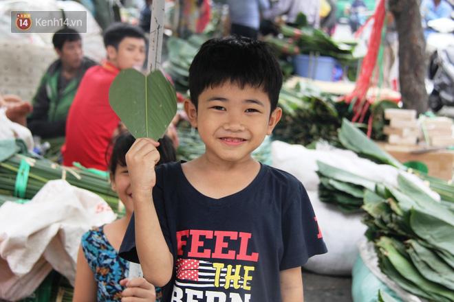 Giá thịt heo tăng cao, chợ lá dong ở Sài Gòn đìu hiu vì sức mua giảm 40%, tiểu thương mắc võng ngủ giữa ban ngày - ảnh 13