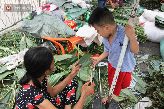 Giá thịt heo tăng cao, chợ lá dong ở Sài Gòn đìu hiu vì sức mua giảm 40%, tiểu thương mắc võng ngủ giữa ban ngày - ảnh 12