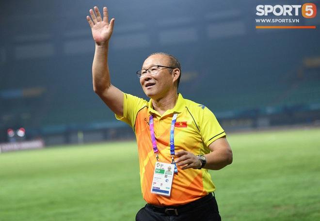 Báo châu Á gây sốc với bình luận cực gắt: Đình Trọng là cầu thủ chơi xấu nhất U23 Việt Nam, ông Park cực giỏi dùng chiêu trò khiêu khích trọng tài - Ảnh 3.