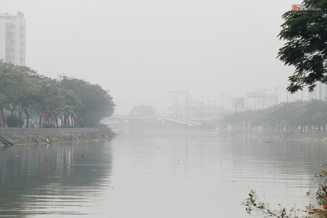 Toà nhà cao nhất Việt Nam mờ ảo trong bụi mù, Sài Gòn tiếp tục bị ô nhiễm nặng những ngày giáp Tết - ảnh 9