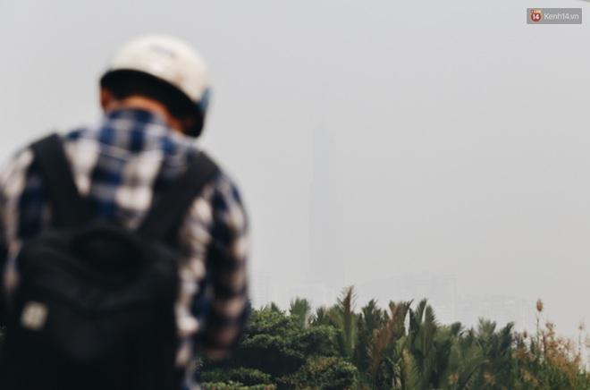 Toà nhà cao nhất Việt Nam mờ ảo trong bụi mù, Sài Gòn tiếp tục bị ô nhiễm nặng những ngày giáp Tết - ảnh 3