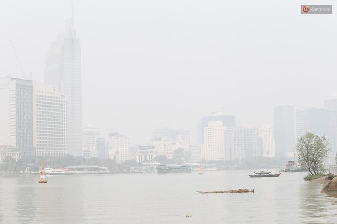 Toà nhà cao nhất Việt Nam mờ ảo trong bụi mù, Sài Gòn tiếp tục bị ô nhiễm nặng những ngày giáp Tết - ảnh 15