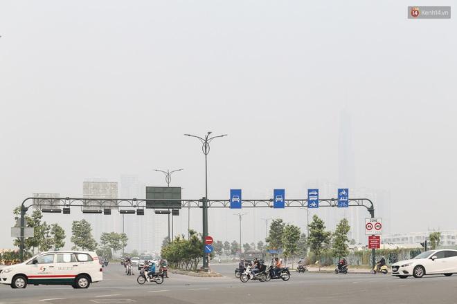Toà nhà cao nhất Việt Nam mờ ảo trong bụi mù, Sài Gòn tiếp tục bị ô nhiễm nặng những ngày giáp Tết - ảnh 4