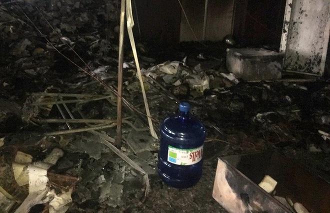 Hiện trường vụ cháy tòa nhà dầu khí Thanh Hóa khiến 2 người chết, 13 người bị thương - ảnh 9