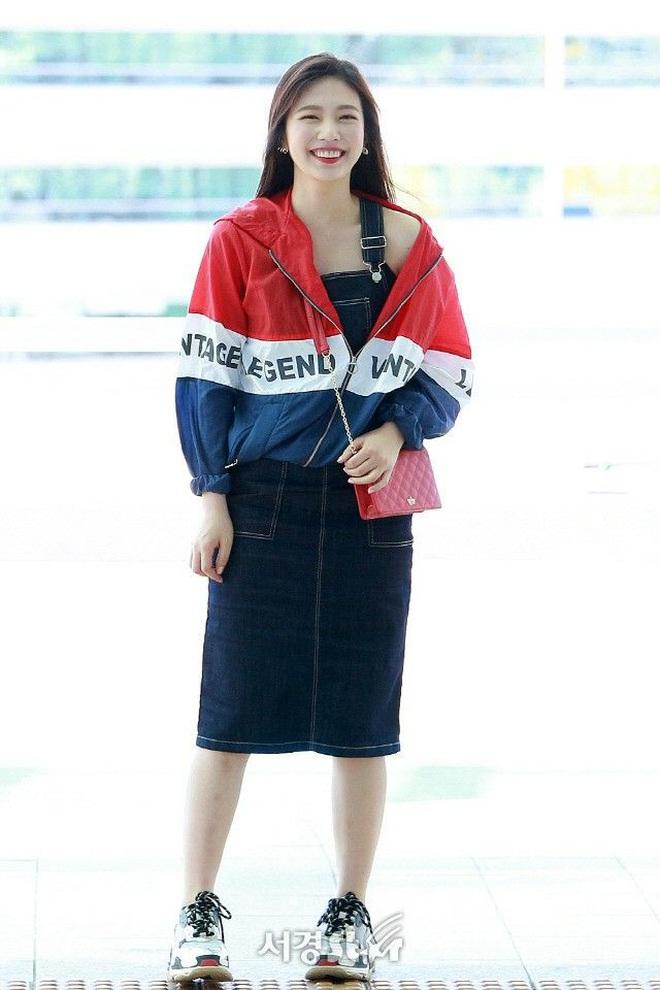 Từ câu chuyện ăn mặc của Joy cho thấy: Mặc đẹp đã khó, mặc để cho netizen Hàn thấy là đẹp còn khó hơn! - ảnh 4